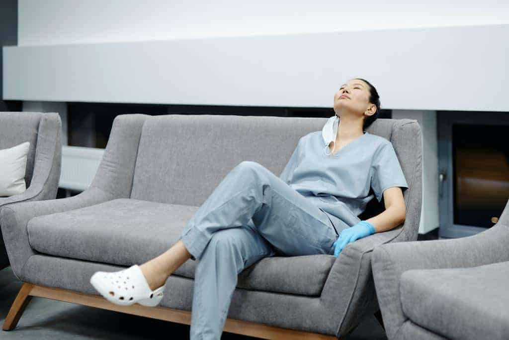 Tips For Travel Nurses Working Long Hours